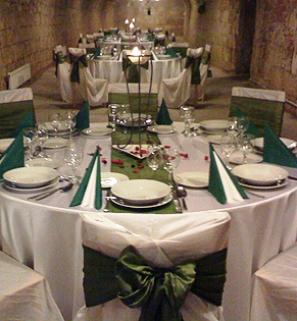 Seybold-Garab Pince. Autentikus borpince Budafokon. Rendezvényhelyszín, bulihelyszín, esküvői helyszín.