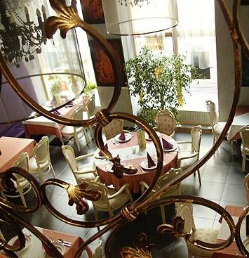 Művész Étterem és Kávéház. Gourmet étterem Budapest belvárosában
