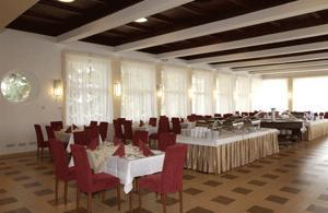 Hunguest Grandhotel Galya. Wellness szálloda az ország tetején. Étterem, rendezvényhelyszín és esküvői helyszín.